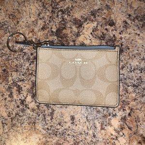 ✨✨ AUTHENTIC Coach key pouch ✨✨